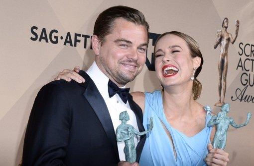 Leonardo DiCaprio (41) und seine Kollegin Brie Larson (26) bei den SAG-Awards. Foto: EPA