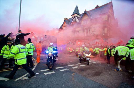 UEFA ermittelt nach Attacke auf Teambus von Manchester City