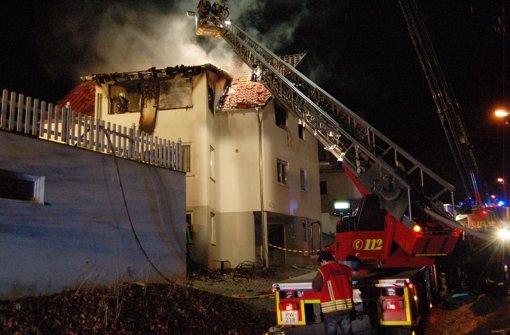 Zwei Teenager sind bei dem Feuer in Rottweil am Sonntag ums Leben gekommen. Foto: dpa