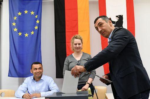 Grünen-Chef Özdemir wählt in Berlin