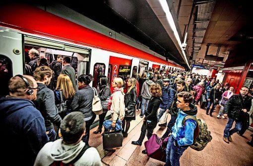 S-Bahn-Wagen hält zu früh im Tunnel