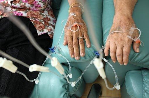 Bei der Chemotherapie verteilt sich über das Blut  ein Zellgift, das schnell teilende Krebszellen angreift und vernichtet Foto: