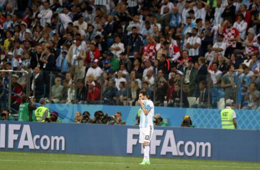 Brutales Video: Argentinische Fans treten auf Kroaten ein