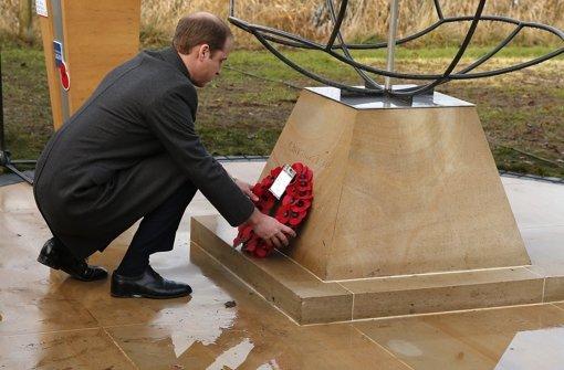 Prinz William enthüllt Denkmal