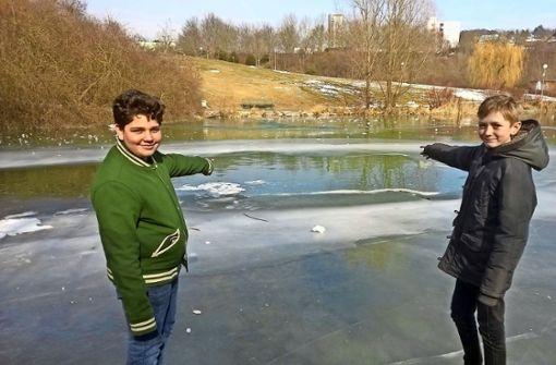 Schüler retten Kind aus dem eiskalten Stadtparksee