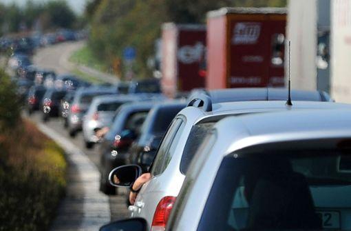 Vollsperrung der A6 im morgendlichen Berufsverkehr