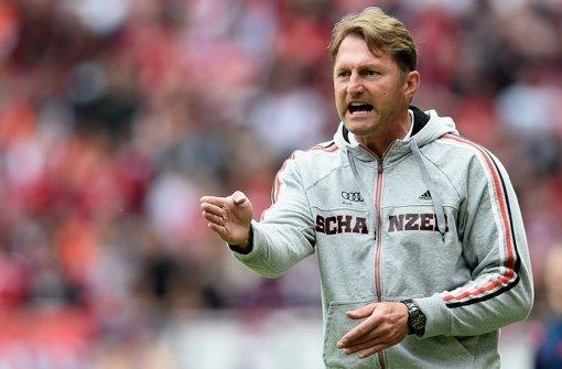Draht nach Stuttgart: Trainer Ralph Hasenhüttl vom FC Ingolstadt. Foto: Getty