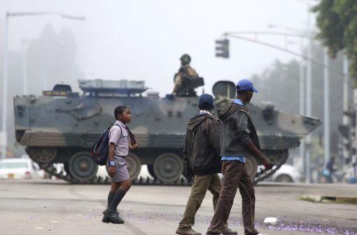 Staatschef Mugabe unter Hausarrest