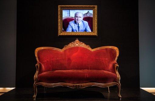 loriots rotes sofa: bis 13. september in stuttgart zu sehen - s, Hause ideen