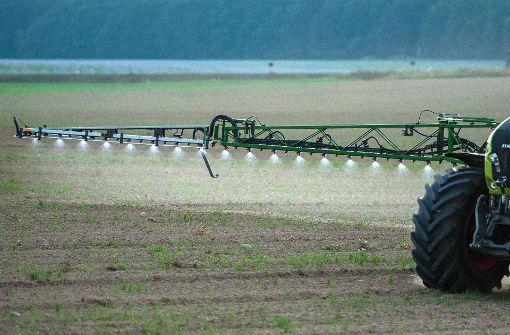 Insektengift in der Landwirtschaft gilt als eine der Hauptursachen für das Schwinden der biologischen Vielfalt. Foto: dpa