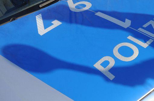 Sportwagen-Fahrer greift auf B27 mit Schlagstock an