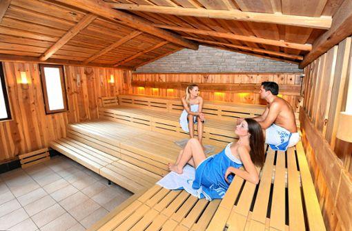 Beliebt sind auch die Saunen. Vom 9. September an ist das Bad wieder geöffnet. Merkel'sches Schwimmbad, Mühlstraße 6, Esslingen, Telefon 0711/39 07 700, Einzelkarte: 13,50 Euro (3 Std.), a href=https://www.swe.de/ target=_blankwww.swe.de/a  Foto: Anette Wandel