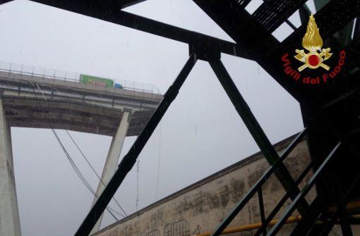 Tote nach Einsturz von Autobahnbrücke