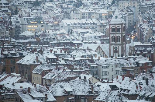 Am Sonntag kann es in Stuttgart erneut schneien. Zum Wochenbeginn wird es wieder milder. Foto: dpa