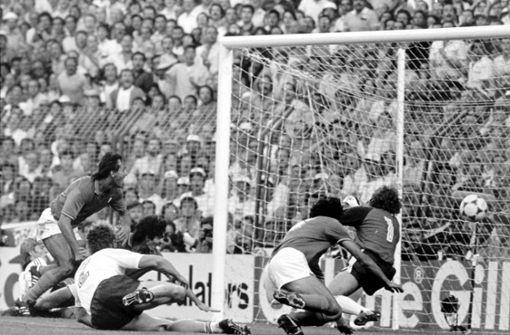 """Paolo Rossi (Italien) beim Finale 1982. Die """"Azzuri"""" wurden mit ihm Weltmeister, er gewann den Goldenen Ball. Foto: dpa"""