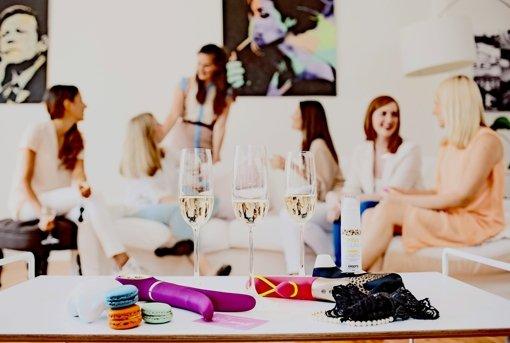 Wirkt wie eine Tupper-Party, dreht sich aber um aufregendere Waren als Plastikschüsseln Foto: Amorelie