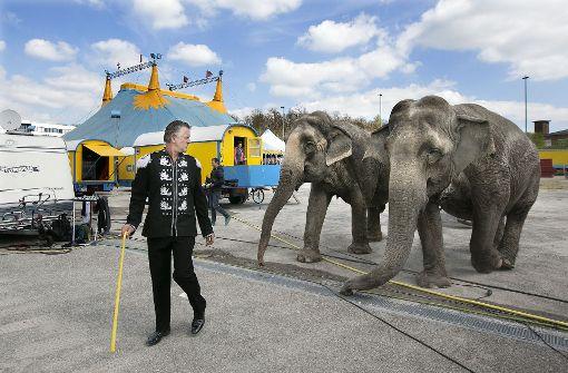 Heftige Prügelei mit Neonazis vor Zirkus