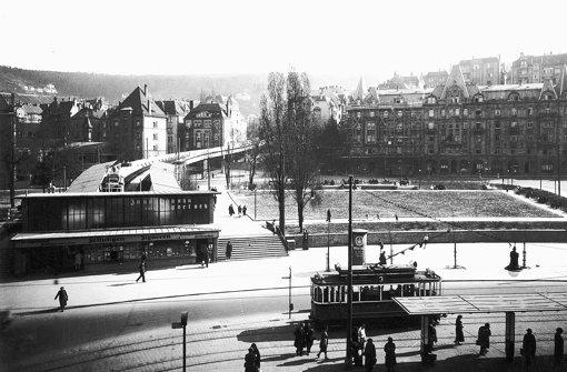 """Als  noch ein Rasen zum Marienplatz gehörte:  Das Foto von 1938  stammt aus dem Buch """"Stuttgart –  Eine Stadt verändert ihr Gesicht"""", das vom Landesmedienzentrum herausgegeben wurde Foto: Landesmedienzentrum"""