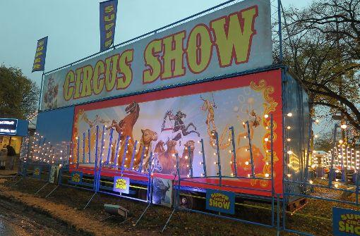 Unspektakuläre Premiere in Zirkus