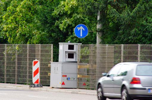 Der Blitzer soll das Tempolimit 40 überwachen. Foto: Andreas Rosar Fotoagentur-Stuttgart