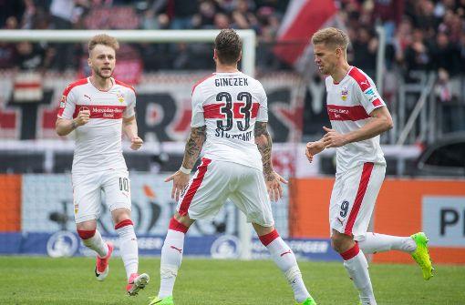 Florian Klein schießt den VfB zum 3:2
