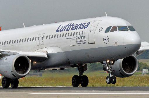 Lufthansa-Maschine kommt von Rollbahn ab