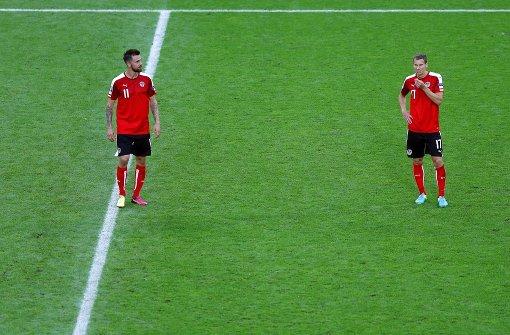 VfB-Fans lachen Harnik und Klein aus
