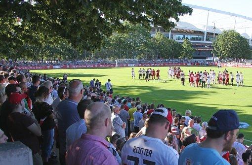Zuletzt füllten VfB-Fans bei der Mannschaftsvorstellung das Schlienz Foto: Baumann