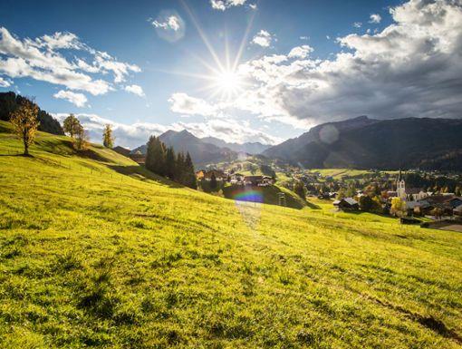 Für viele die schönste Jahreszeit: goldene Blätter, würzige Bergluft, stille Augenblicke  Foto: Kleinwalsertal Tourismus eGen