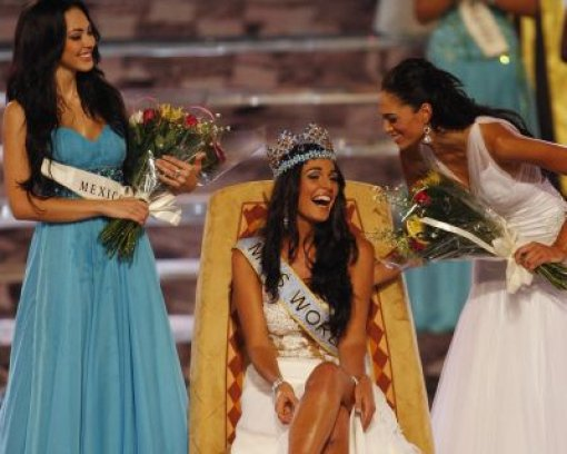 Kaiane Aldorino ist Miss World