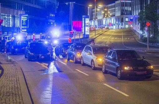 Unfall mit sechs Autos auf der Paulinenbrücke