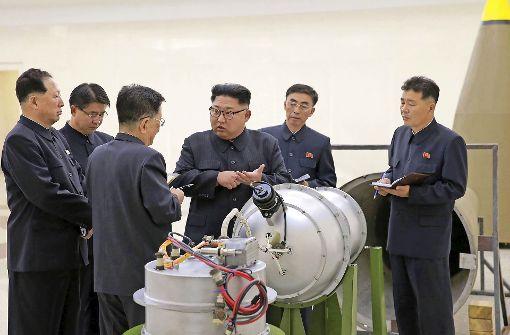 Nordkoreas Nuklearwissenschaftler haben nach Angaben der Staatsagentur KCNA eine Wasserstoffbombe gebaut, die von Interkontinentalraketen ins Ziel gebracht werden kann.  Foto: dpa