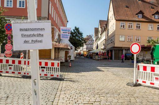 Die Polizei in Schorndorf musste Schutzkleidung anlegen und die Festnahme mit zahlreichen weiteren Beamten abschirmen. Foto: 7aktuell.de/Simon Adomat