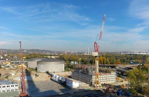 Auf diesem Areal beim alten Kraftwerk Gaisburg entsteht gerade das neue Gasheizkraftwerk. Foto: Jürgen Brand