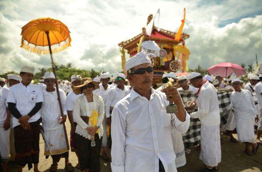 Mobilfunkbetreiber auf Bali schalten das mobile Internet ab