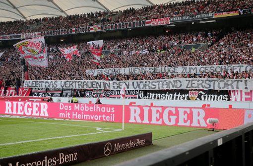 Commando Cannstatt erklärt Spruchbänder vom Dortmund-Spiel