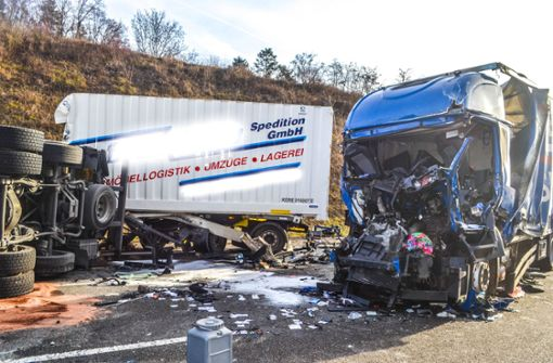 Lasterfahrer stirbt nach Unfall bei Pforzheim