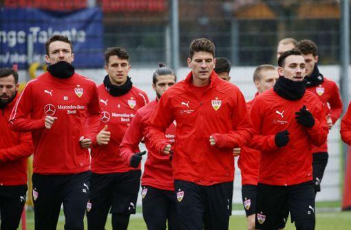 Nach dem 1:0-Erfolg gegen den FC Augsburg geht das Training für die Profis des VfB Stuttgart weiter. Foto: Pressefoto Baumann