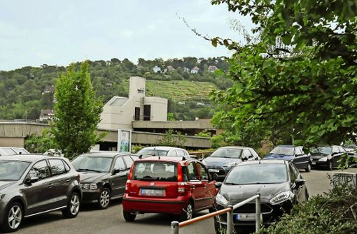 Das katholische Kinderhaus am Mühlrain  hat selbst keine eigenen Parkplätze. Foto: Georg Linsenmann
