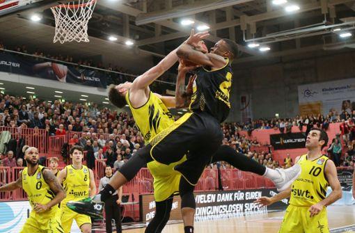 """BASKETBALL: Bundesliga, Walter Tigers Tübingen gegen Alba Berlin am Freitag (20.30 Uhr) in der Paul-Horn-Arena – Die Abschiedsgala der   bereits a href=https://www.stuttgarter-nachrichten.de/inhalt.walter-tigers-tuebingen-tuebingen-erster-absteiger-aus-der-basketball-bundesliga.bf487f0e-9a22-4037-a94b-5565deeaa5cb.html target=_blankals Absteiger feststehenden Tübinger /ageht weiter. Zum vorerst letzten Mal empfangen sie in Alba Berlin den wohl bekanntesten Basketball-Club Deutschlands. Als aktueller Tabellenzweiter gehört die Mannschaft der spanischen Trainerlegende Alejandro """"Áito"""" Garcia Reneses zum engsten Kreis der Favoriten auf die Meisterschaft. """"Alba ist momentan die beste Mannschaft der Liga, sowohl defensiv als auch offensiv. Uns steht eine unheimlich schwere Aufgabe bevor"""", sagte Aleksandar Nadjfeji, der Assistenz-Trainer der Walter Tigers, vor dem Spiel. Foto: Baumann"""