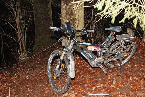 Passanten wurden durch das Fahrrad auf ihn aufmerksam. Foto: www.7aktuell.de | Daniel Jüptner