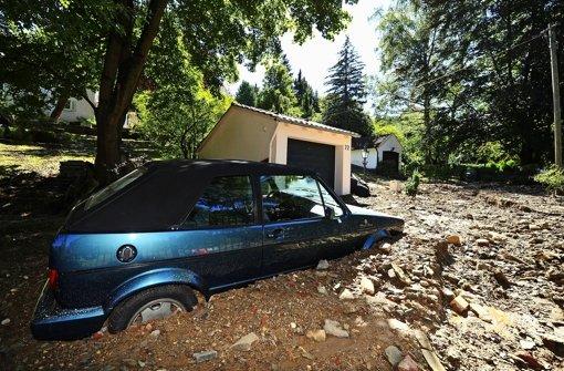 Die Schlammlawine, die nach einem Wasserrohrbruch im vergangenen September in Kaltental abgegangen ist, hat eine Schneise der Verwüstung zurückgelassen. Foto: dpa