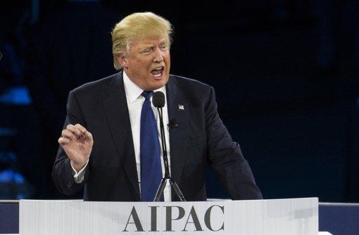Der republikanische Präsidentschaftsbewerber Donald Trump und die demokratische Kandidatin Hillary Clinton fahren erneut wichtige Siege im US-Vorwahlkampf ein. Foto: AP