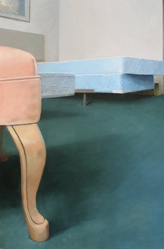 Jenny BrillhartSaxony Hotel – Interior 1 (Three Blue Mattresses and Pink Chair), 2006, Öl auf Holz, Privatsammlung,  Foto: © J. Brillhart, Courtesy Galerie Kuckei + Kuckei, Berlin.