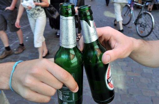 Künftig soll es am Abend und in der Nacht in Baden-Württemberg noch schwieriger sein, an Alkohol zu kommen. Foto: dpa