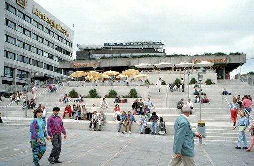 ... mit der beliebten Freitreppe in den 1990er Jahren. Hier schlägt Stuttgarts Herz. Foto: Landesmedienzentrum Baden-Württemberg