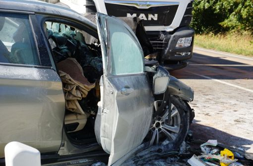 Der Fahrer verstarb noch an der Unfallstelle. Foto: SDMG