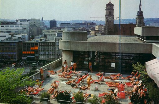 Sonnenbaden über den Dächern Stuttgarts Foto: Breuninger