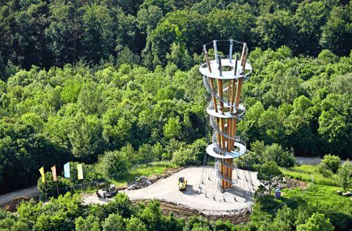 Bei der Eröffnung am Samstag können Besucher die Aussicht vom Schönbuchturm zum ersten Mal genießen. Foto: Manfred Grohe